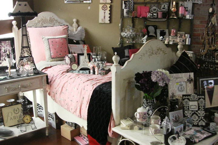 Castles And Cottages Home Decor Boutique At Corona Crossings