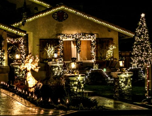 Canyon Lake Homes Lit Up For The Holidays
