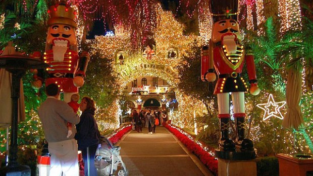 mission inn festival of lights on canyon lake socal